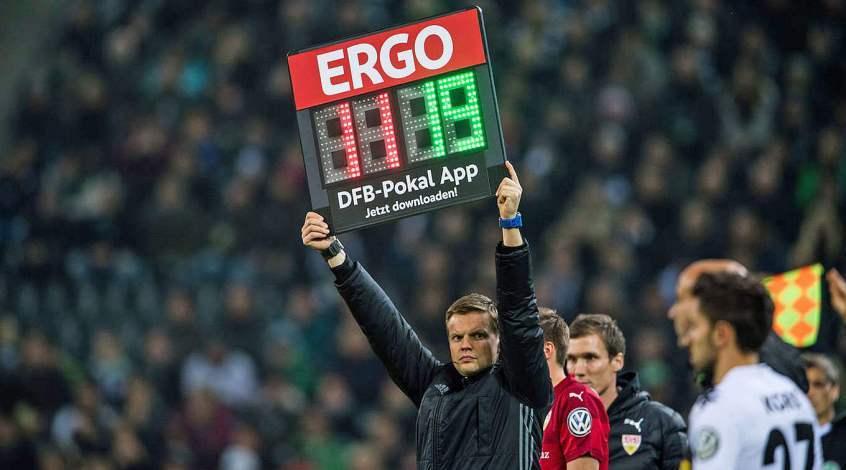 Восемь замен в матче кубка Германии!