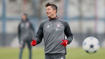 """""""Бавария"""" - """"Аугсбург"""": коэффициент 3,05 на то что Роберт Левандовски не забьёт"""