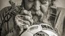 Известный в Голландии тату-мастер разработал дизайн для официального мяча Эредивизи сезона 2017-18 (Фото)