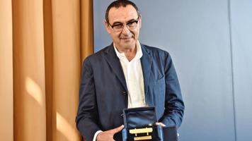 """Владелец """"Наполи"""" намерен продлить контракт с Маурицио Сарри"""