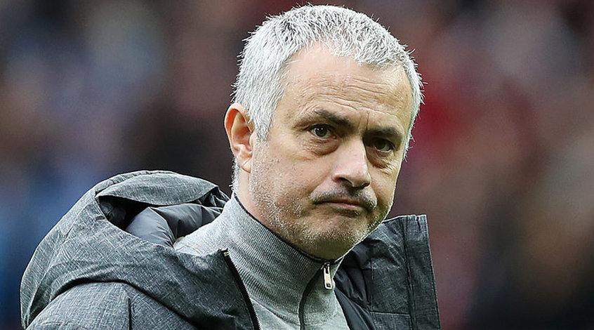 "Официально: ""Манчестер Юнайтед"" уволил Жозе Моуриньо"