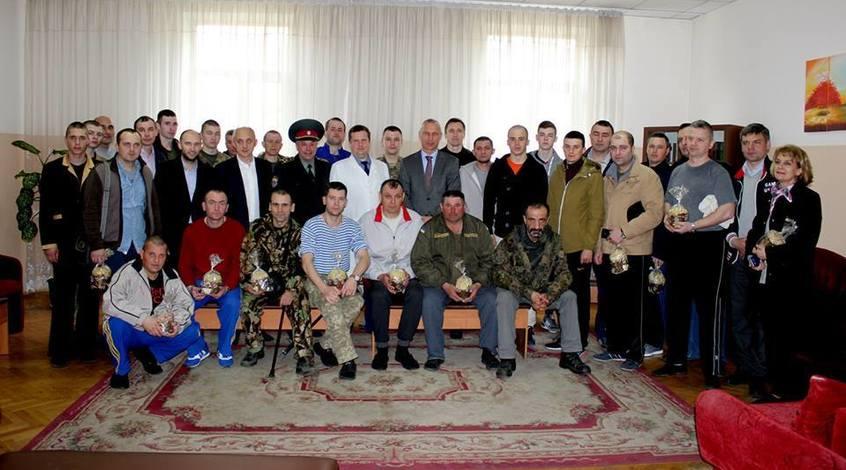 Легендарні ветерани привітали військових із Великоднем