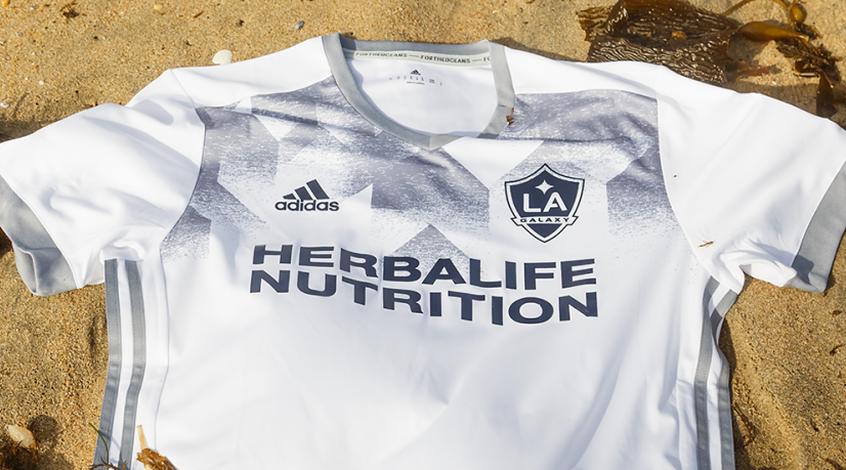 В MLS клубы примерят новую эко-форму из бутылок (Фото, Видео)