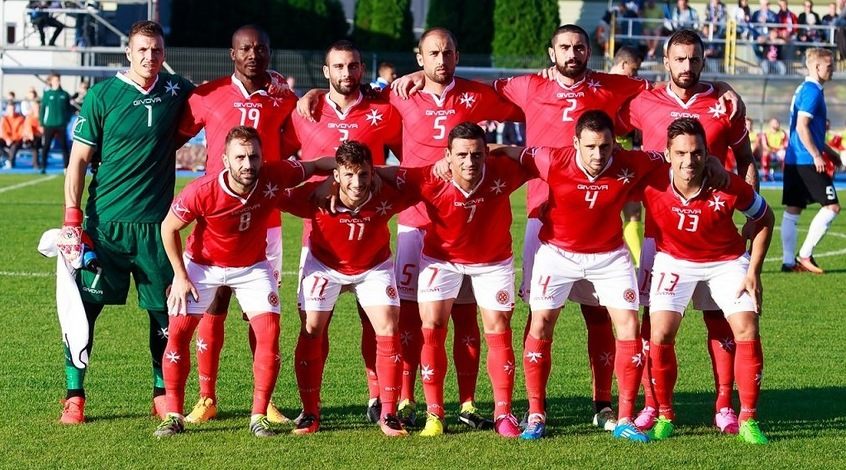 Наставник сборной Мальты разбил голову во время матча с Испанией и забыл часть игры
