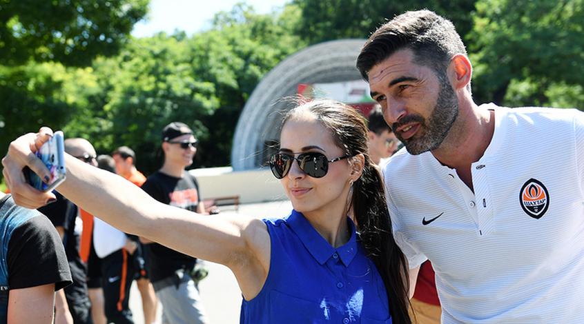 Паулу Фонсека знає, як відпроситися на футбол у День святого Валентина (Відео)