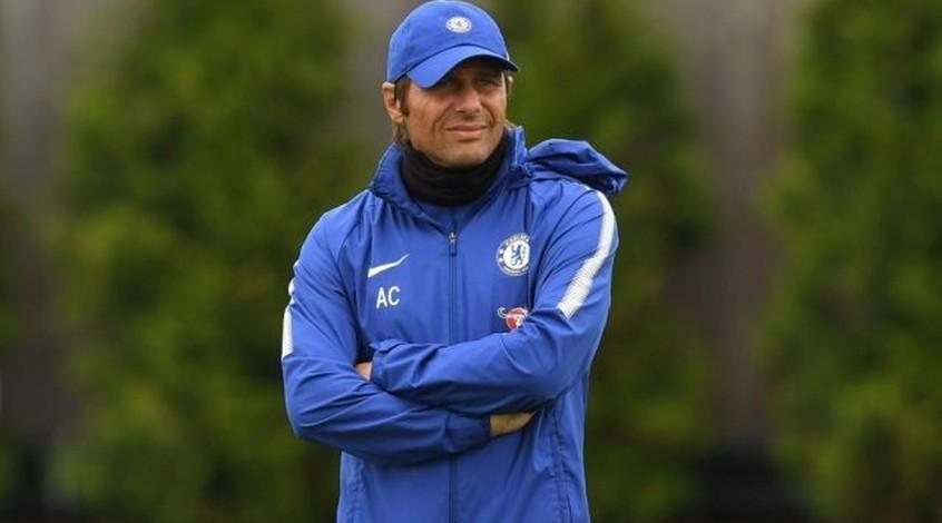"""Антонио Конте заявил, что """"Челси"""" важно сохранить Куртуа и Азара"""