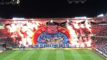 """Болельщики """"Легии"""" выразили протест УЕФА шикарным перфомансом (Видео)"""