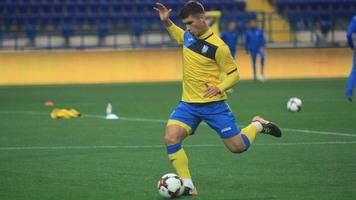 Малиновский и Соболь могут приехать в сборную с опозданием