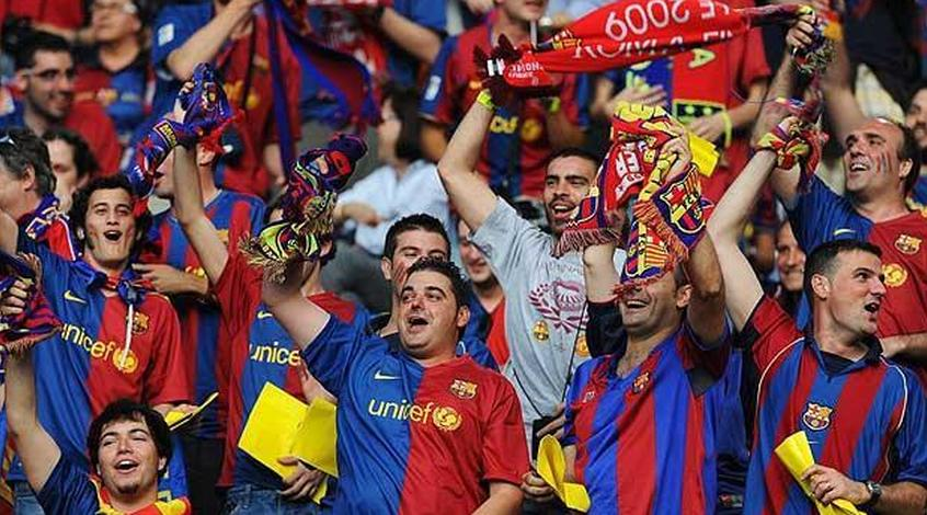 """Болельщики """"Барселоны"""" развернули баннер: """"Добро пожаловать в Каталонскую республику"""""""
