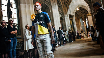 Мировой бренд высокой моды и ПСЖ запустили линию одежды (Фото)