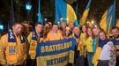 Болельщики блестяще исполнили гимн Украины в Шкодере под проливным дождем (Видео)