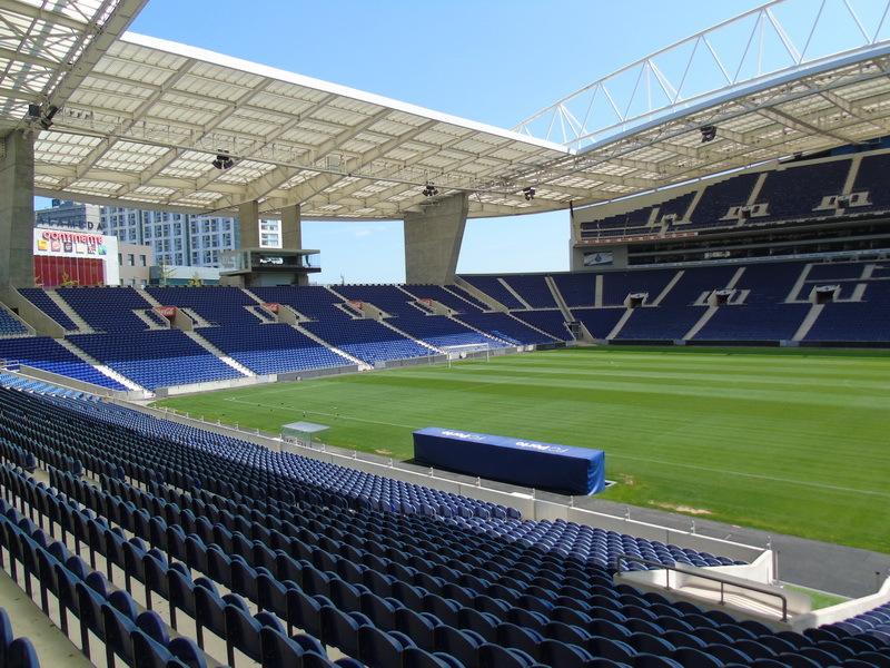 """В кресле президента. Впечатления от экскурсий по стадионам """"Порту"""" и """"Барселоны"""" - изображение 47"""