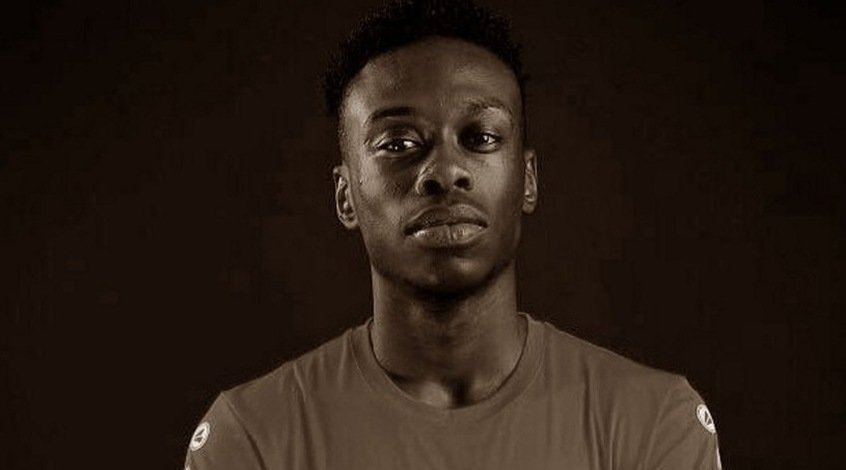 """17-летний игрок """"Антверпена"""" умер после остановки сердца во время тренировки"""