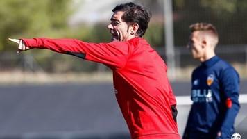 """Игроки """"Валенсии"""" считают, что тренировки Марселино слишком короткие"""