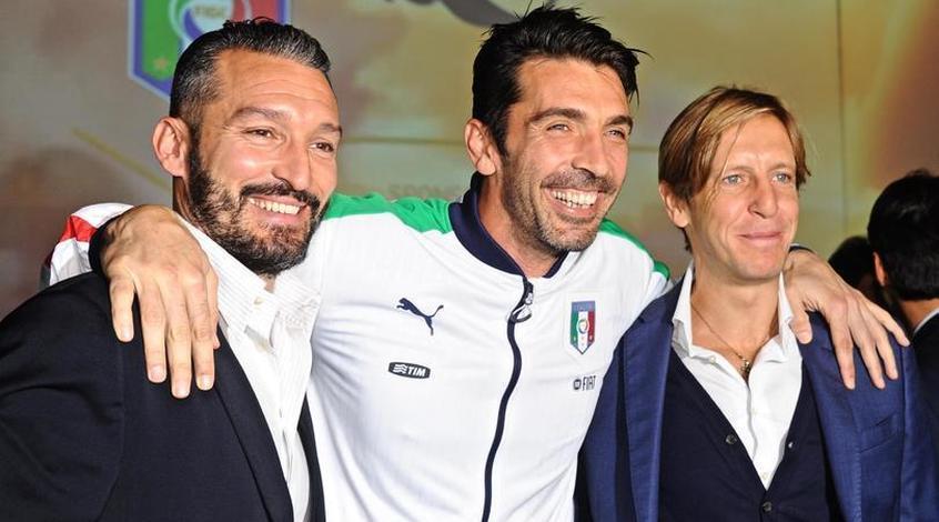 Буффон и Де Росси получат шанс сыграть прощальный матч за Италию