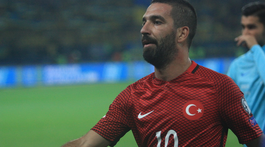 Арда Туран приговорен к двум годам и восьми месяцам лишения свободы