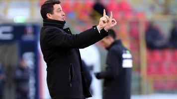 """Официально: """"Кротоне"""" отправил в отставку Массимо Оддо, команду возглавил Джованни Строппа"""