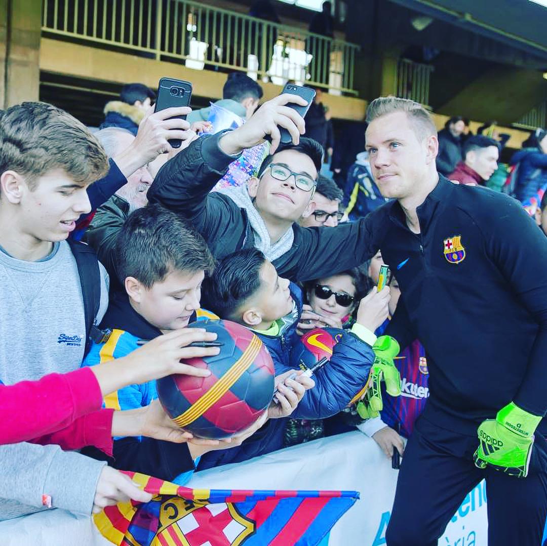 """Игроки """"Барселоны"""" посетили детские больницы (Фото, Видео) - изображение 3"""