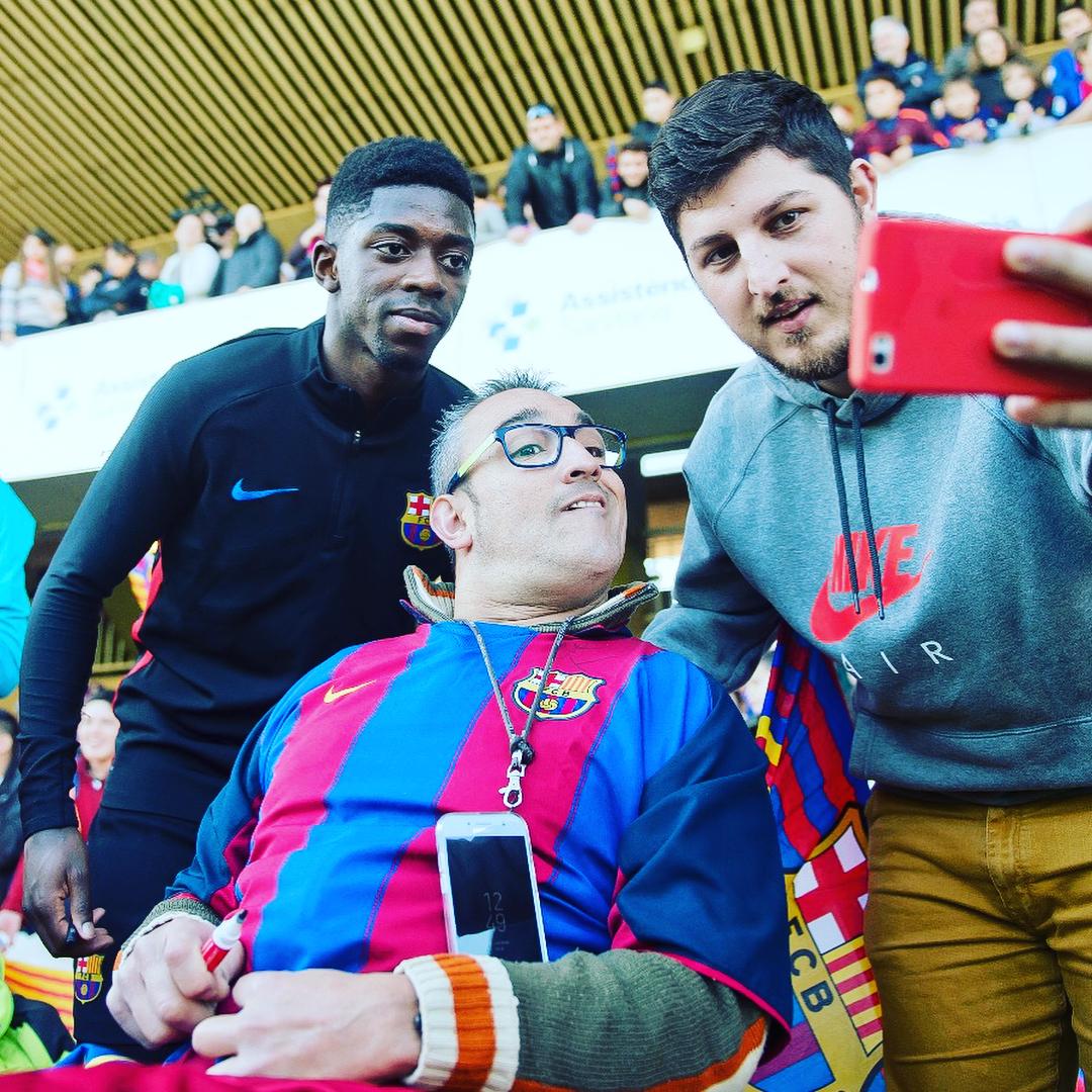 """Игроки """"Барселоны"""" посетили детские больницы (Фото, Видео) - изображение 4"""
