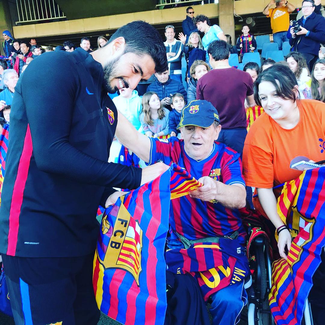 """Игроки """"Барселоны"""" посетили детские больницы (Фото, Видео) - изображение 7"""