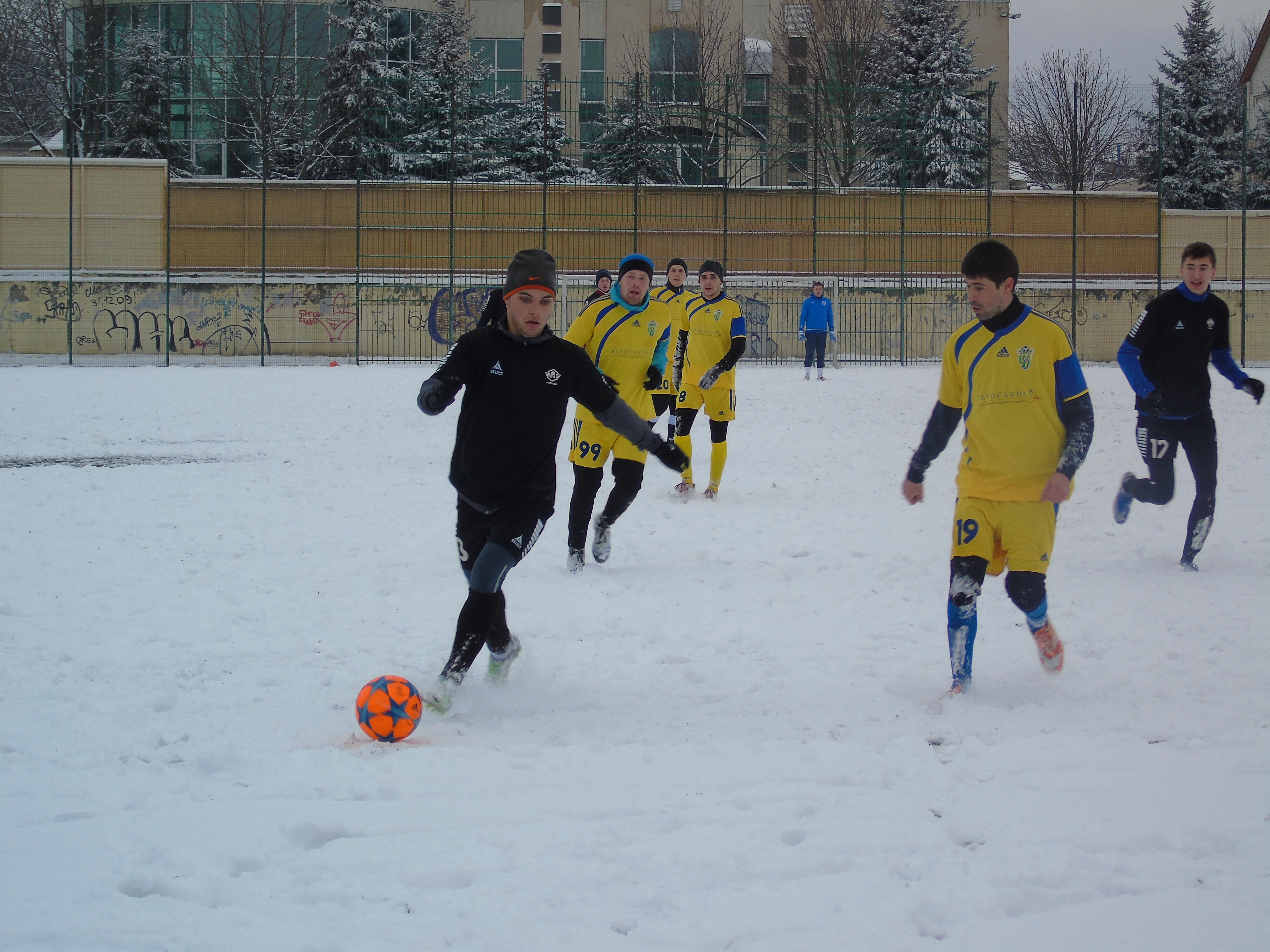 Мемориал Макарова-2018. 2-й тур. Бразильцы и снежный футбол - изображение 3