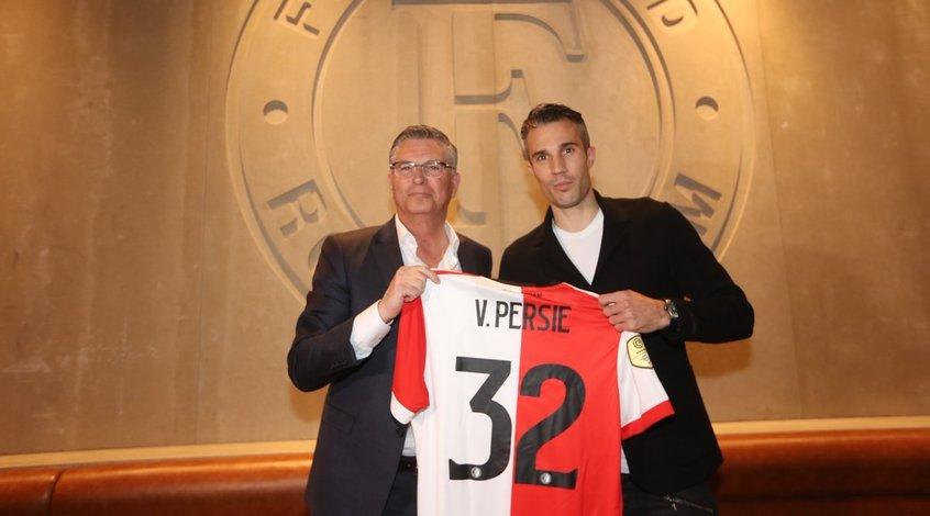Робин ван Перси может стать тренером после завершения игровой карьеры