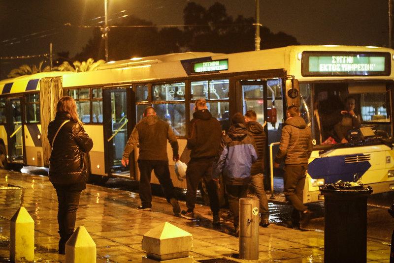 """Полиция Афин будет сопровождать болельщиков """"Динамо"""" до стадиона (Фото) - изображение 1"""