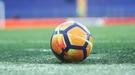 В Румынии 19-летний вратарь отбил два пенальти, но оба раза судья просил перебить. Кипер устроил истерику и удалился