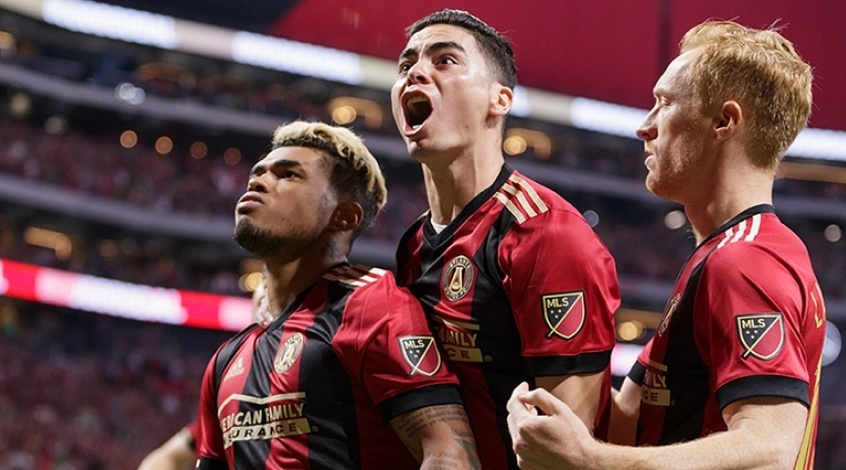 """MLS. 40-я игровая неделя. """"Нью-Йорк Ред Буллз"""", """"Нью-Йорк Сити"""", """"Даллас"""" и """"Атланта Юнайтед"""" вышли в плей-офф"""