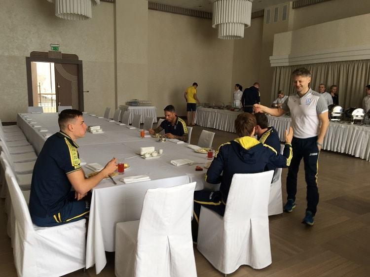 Гравці збірної України почали прибувати в Харків - изображение 1