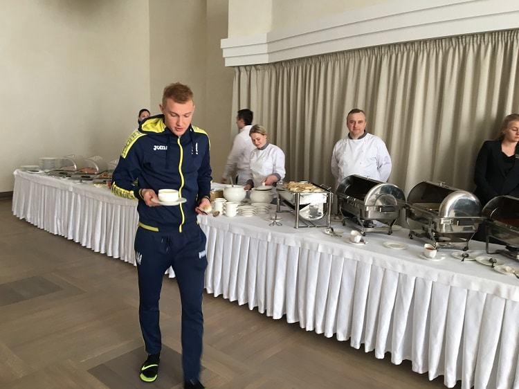 Гравці збірної України почали прибувати в Харків - изображение 2