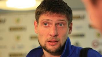 Евгений Селезнев занялся боксом накануне зимнего перерыва