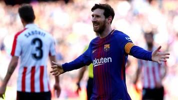 """Фанаты """"Барселоны"""" высказали свое недовольство Лионелю Месси в аэропорту Ливерпуля (Видео)"""
