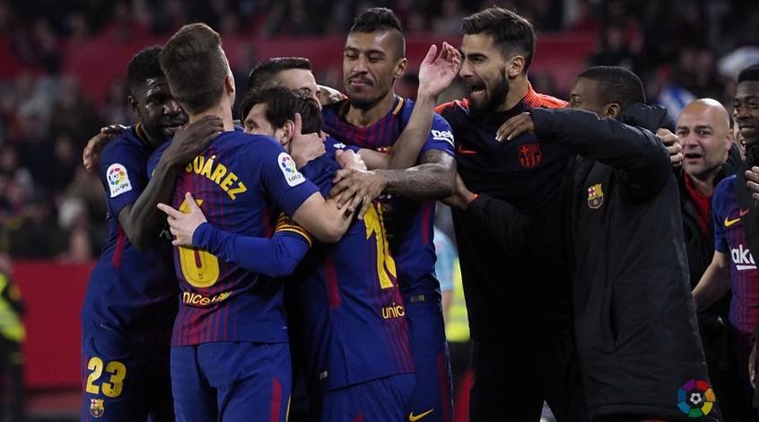 """""""Барселона"""" показала, как отметила чемпионство в раздевалке (Видео)"""