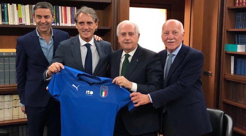 """Роберто Манчини: """"Игроки сборной Италии не играют - такого раньше не было"""""""