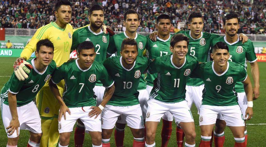 Вице-капитан сборной Мексики прокомментировал вечеринку с 30 проститутками