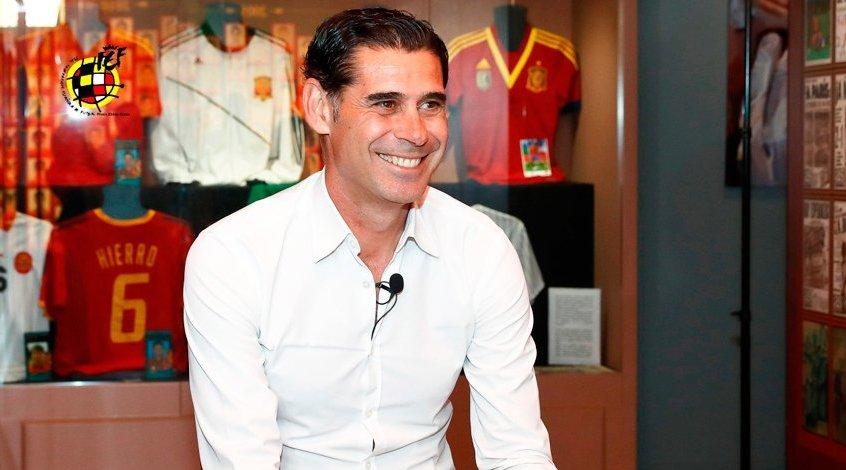 Сборная Испании провела первую тренировку под руководством Фернандо Йерро