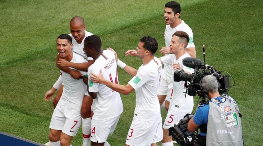 Сборная Португалии несет кадровые потери и довызывает Андре Гомеша