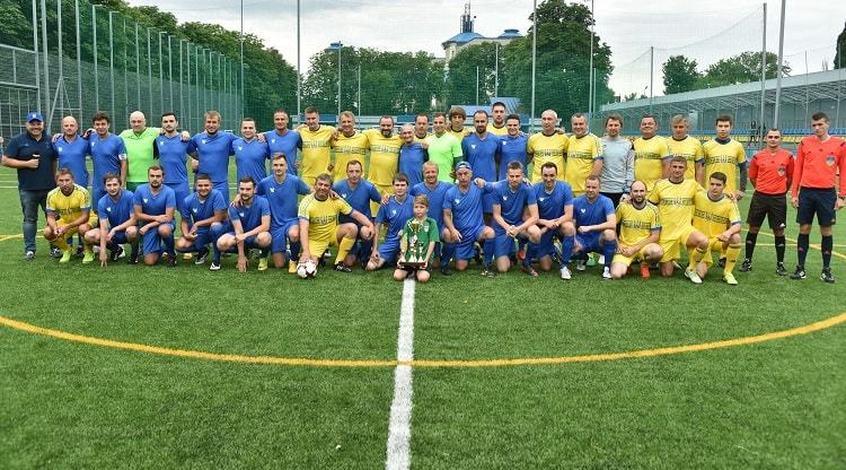 Збірна ФФУ в серії пенальті перемогла збірну спортивних журналістів: представник FootBoom не схибив