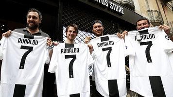 """""""Ювентус"""" за сутки вернул на продажах футболок Роналду половину его стоимости"""