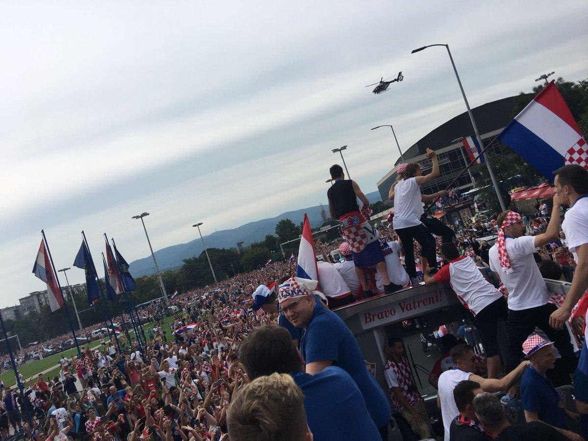 Сборной Хорватии устроили фееричную встречу в Загребе - изображение 2