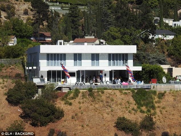 Погба закатил вечеринку в Лос-Анджелесе (Фото) - изображение 3