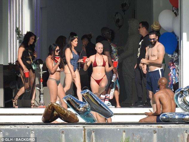 Погба закатил вечеринку в Лос-Анджелесе (Фото) - изображение 4