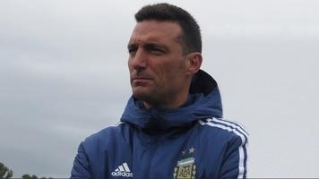 Тренер сборной Аргентины показал последствия столкновения с машиной (Фото)