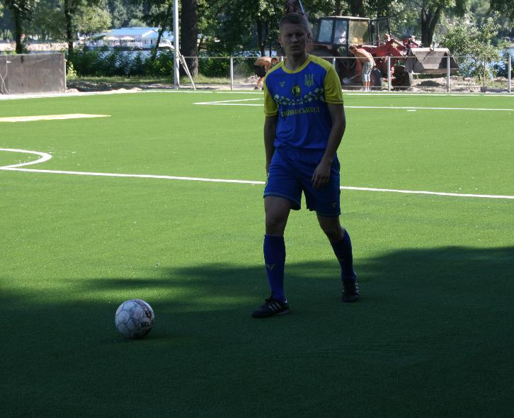 Лабутены, мячи, улыбки: перед мини-футбольным Евро-2018 в Киеве открыли тренировочное поле (Фото) - изображение 6