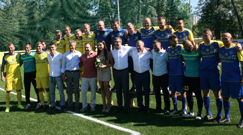 Лабутены, мячи, улыбки: перед мини-футбольным Евро-2018 в Киеве открыли тренировочное поле (Фото)