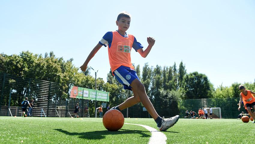 """""""Шахтер"""" открыл первую футбольную площадку для детей - """"Давай, играй!"""" в Днепропетровской области - изображение 4"""
