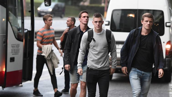 Игроки сборной Дании своим ходом уехали из Братиславы? (Фото)