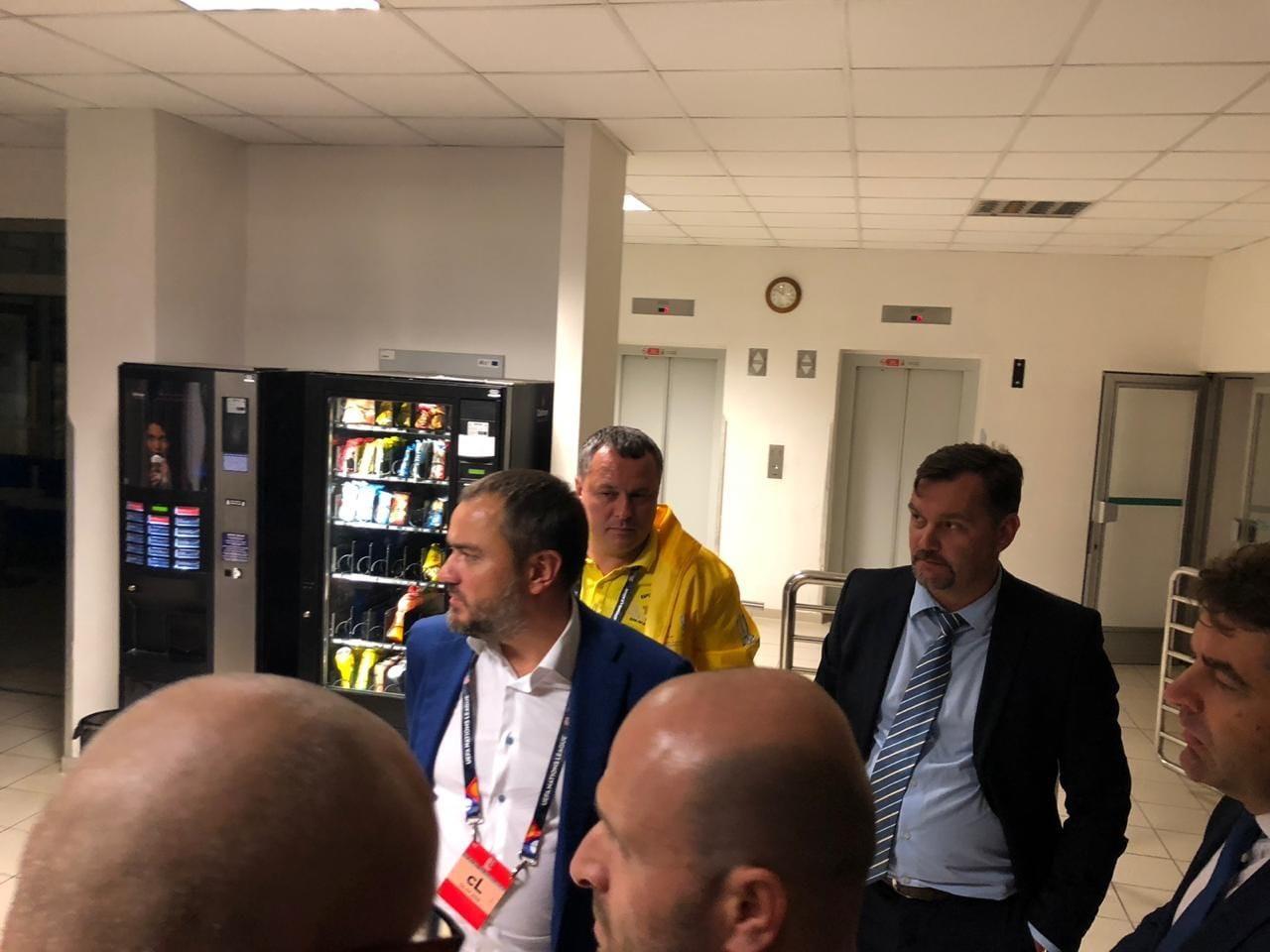 Президент ФФУ помог освободить задержанных в Чехии болельщиков сборной Украины - изображение 1