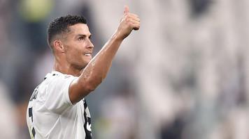 Криштиану Роналду — первый футболист, забивший 400 голов в топ-5 лигах Европы